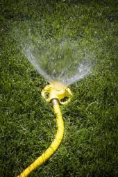 Mobilní zavlažování trávníku