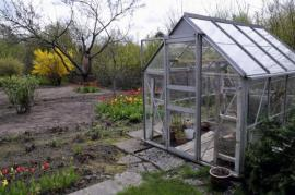 Umístění skleníku v užitkové zahradě