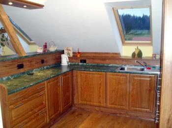 Kuchyně na míru v podkroví