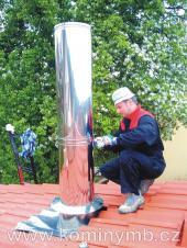 Nerezový komín - instalace nadstřešní části