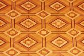 Renovovaná podlaha s intarziemi