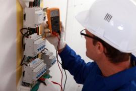 Provádění elektroinstalace - rozvodná skříň