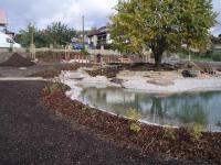 Okrasné zahradní jezírko