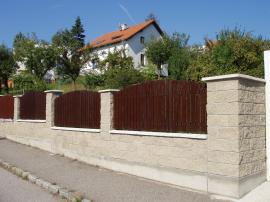 Oplocení z betonových tvarovek