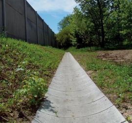 Betonový odtokový žlab