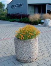 Betonová mobilní nádoba