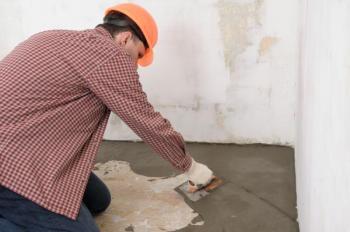 Běžné stěrkování podkladu podlahy