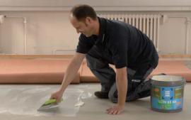 Pokládka podlahové krytiny po vyzrátí podkladu