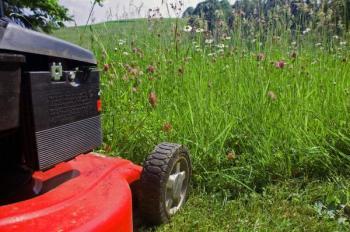 Benzínová zahradní sekačka