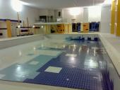 Obložení bazénu a obklady okolo bazénu - veřejně přístupné bazény jsou na provedení nejnáročnější