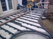 Montáž roštu na betonovou desku a gumové podložky