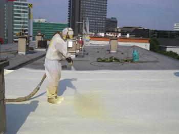 Zateplení ploché střechy PUR pěnou