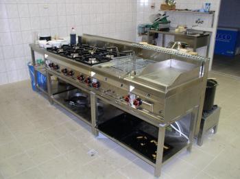 Gastronomické zařízení z nerezu