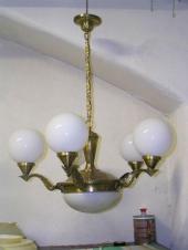 Repasovaný starožitný lustr