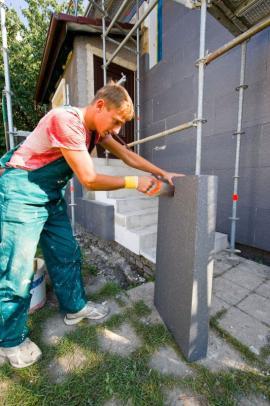 Příprava polystyrenové desky na zateplení