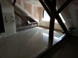 Vylitá anhydritová podlaha