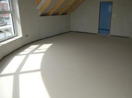 Vytvrdnutá anhydritová podlaha