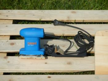 Jednoruční vibrační bruska NAREX EBV 130 E