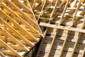 Složitá konstrukce střechy