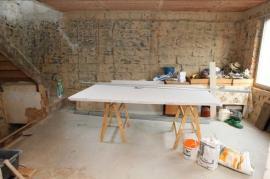 Konstrukční desky RigiStabil jsou určeny pro příčky, předstěny, podhledy i jako suchá omítka vinteriérech. Deska je snadno zpracovatelná a dá se kombinovat sběžným sádrokartonem.