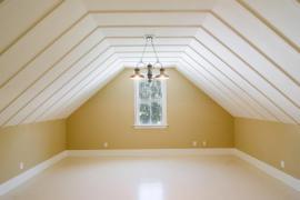 Dokončená podkrovní místnost