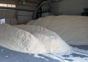 Odkorněná pilina bez nečistot - jediná možnost pro výrobu kvalitních dřevěných pelet