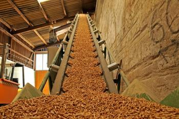 Výroba dřevěných pelet je dnes plně automatizovaná