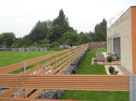 Vodorovné dřevoplastové plotové profily