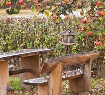 Odolný masivní zahradní nábytek
