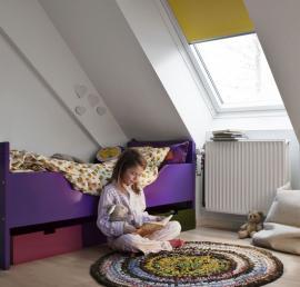 Denní světlo zásadním způsobem ovlivňuje lidskou psychiku a schopnost soustředění. Okna – jako zprostředkovatelé denního světla vbudovách – jsou tedy mimořádně důležitá. Zdroj: Velux