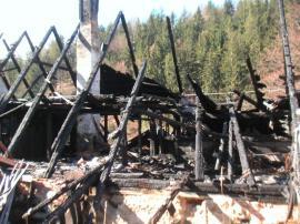 Následky vyhoření sazí v komíně