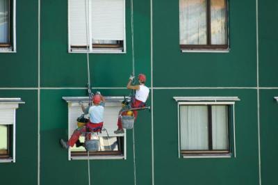 Nátěr fasády na laně