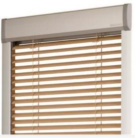 Dřevěné horizontální žaluzie pro střešní okna