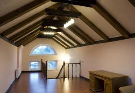 Přiznané prvky vázaného krovu v interiéru