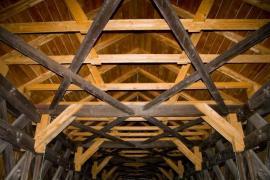 Vyměněné prvky původního vázaného krovu - rekonstruovaný krov
