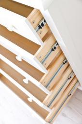 Šuplíky vestavěné skříně