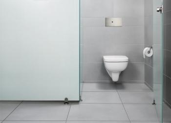 Úspěšná série Visign for Public od firmy Viega byla rozšířena o dvě nové ovládací desky Visign for Public 5 a Visign for Public 6, které spouštějí splachování pomocí infračerveného senzoru, čímž vyhovují doporučení směrnice VDI 6000 pro veřejná WC.