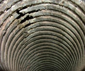Koroze komínové vložky napojené na kotel spalující plyn