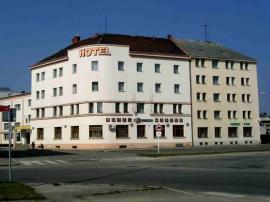 Hotel MERKUR Česká Lípa - injektáž vlhkého zdiva suterénu
