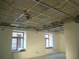 Nosný rošt kazetového stropního podhledu