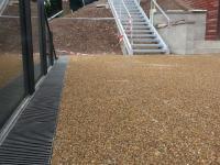 Vzorová realizace dekorativního povrchu chodníku ve Vrchlabí