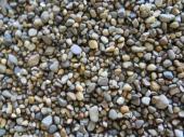 Kamenný zásyp na tmavohnědém pojivu