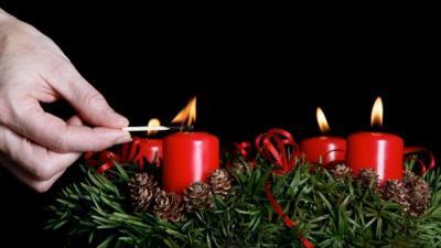 Zapalování čtvrté svíčky adventního věnce