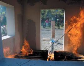 Knauf pořádá pravidelně zkoušky požární odolnosti konstrukcí