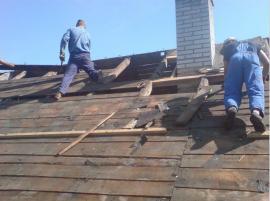 Demontáž staré střechy