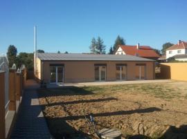 Dokončený bungalov ze systému Iron Houses
