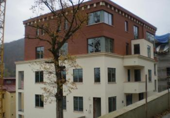 Hotel sv. Josef, Karlovy Vary - lakované hliníkové profily a plechy