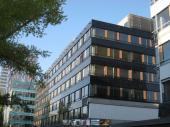 City Business Center, Bratislava - lakované hliníkové plechy na oknech do dřevodekoru