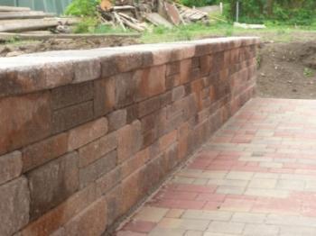 Betonová opěrná zídka