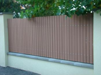 Hladké dřevoplastové plotovky